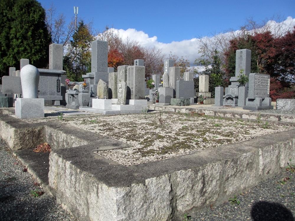 融玄寺墓苑 (2)